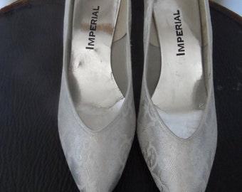 Vintage Silver & Lace Wedding Shoes /  Size 9 M / IMPERIAL / 1960's / Excellent Vintage Condition