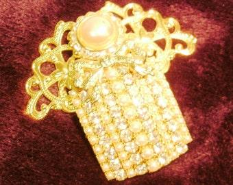 "Jane Davis Vintage""Majesty""  Angel Pin ~ Austrian Crystal ~ Faux Pearl"