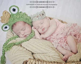 Princess and the frog photo prop set - newborn twins photo prop - 3 to 6 months twins