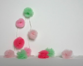 10 Led - Light string of PomPoms in green and pink tulle