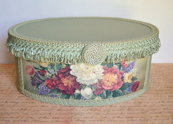 Vintage glynda turley oval hat box sage green floral design for Glynda turley painting