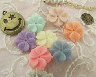 8pcs Resin flower cabochon for Pendant Charm Craft Jewelry.