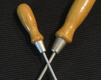 Pair of Small Wooden Handled Screwdrivers - Vintage Screwdrivers - Old Flat Head Screwdrivers