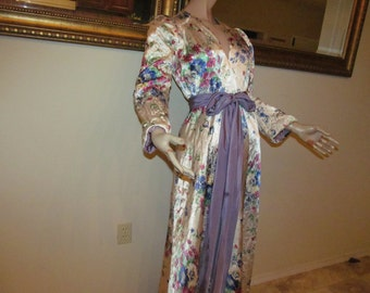 1940s Satin Floral Quilted Robe Size S - M