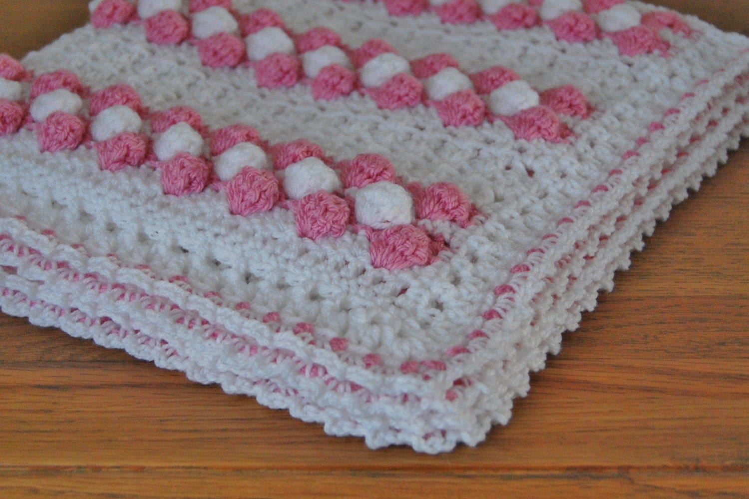 Free Crochet Pattern Bubble Baby Blanket : Baby Crochet Bobble & V Stitch Blanket / Afghan Pattern for