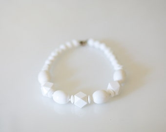 Vintage White Chunky Necklace