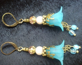 Vintage Inspired Blue Lucite Flower Earrings.