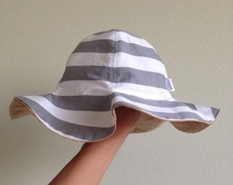 Reversible Tulip Hat