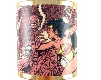 Wonder Woman Cuff Bracelet - Squeletora