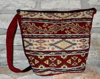 SOUTHERN STYLE - vintage 1980s Southwest Ethnic Tribal Kilim style bucket bag