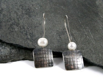 Mesh Embossed Sterling Silver & Pearl Earrings Modern Simplicity