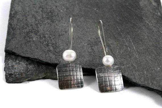 Mesh Embossed Sterling Silver & Pearl Earrings Modern Simplicity