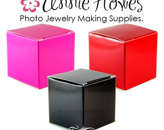 Favor Boxes in Pink, Red, or Black Gloss. 2 x 2 x 2 inches. DIY Wedding Annie Howes. 5 pack.