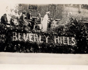 vintage photo 1927 Beverly Hills California Parade Float