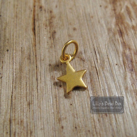 Tiny Star Charm, Gold Lucky Star Pendant, Matte Finish, Vermeil Star Charm for Jewelry Making (CH 862 gp)