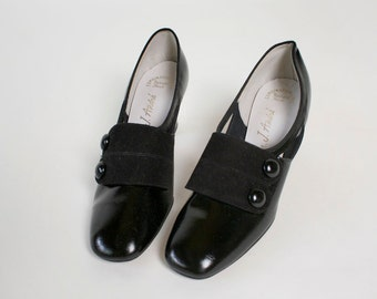 Vintage 1960s Heels - Mod Spat Patent Shiny Button Heels - US 6 Euro 36