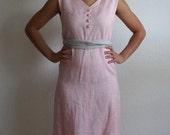 Mod Vintage Bleeker Street 60s Linen Chemise Dress Shift Dress in Pink & Grey