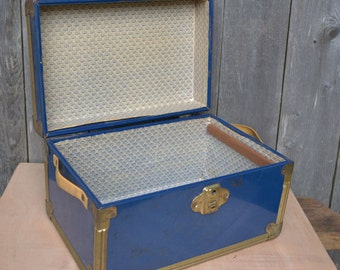 Vintage Blue Train Case/Doll Trunk