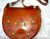Hippie-Chic.. Fabulous 1970s Vintage Hippie Boho Hand Tooled Leather Handbag