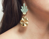Lace earrings - PINEAPPLE - Iridescent mint lace with brass