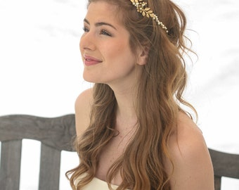 Gold Wedding Crown Woodland Queen Wedding Headpiece Leaves Flowers and Pearls, Wedding Hair, Metal Wedding Hair Accessory, Gold Bridal Tiara