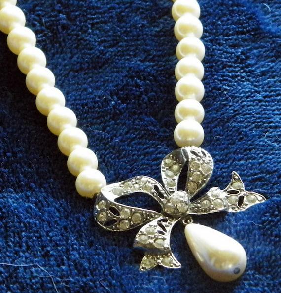 Vintage Faux Pearl Necklace Pendant Carol Dauplaise Designer