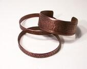 Les Bracelets de cuivre, 1 manchette et 2 bracelets Vintage galets finition hommes ou femmes, ensemble de 3 grande taille