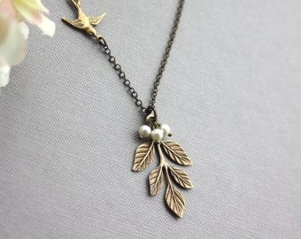 Wedding Jewelry Bridesmaids Necklace. Pearl and Leaf Jewelry. Bridesmaid Jewelry. Oxidized Brass Leaf, Swallow Bird, Ivory Pearls Necklace.