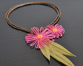 Summer Daisy - Fushia - Handmade Paper Raffia Loom Flower Bib Necklace