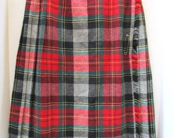REDUCED Vintage Plaid Wool Skirt Tartan Red + Green, Albee All Wool Classic Wrap Kilt, USA, Golden Pin Fringed edge College Prep School Girl