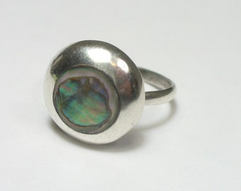 Size 6.5 - Vintage Taxco Mexico abalone ring - sterling silver -  pre-1979 eagle mark