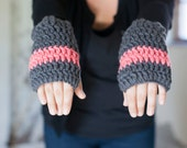 Wrist warmers fingerless gloves in gray and salmon pink chunky soft and warm wrist and hand warmers