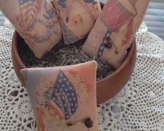 Set of 4 Primitive Patriotic Bowl Fillers Pillow Tucks Ornies OFG HAFAIR DUBTeam Statteam Rusty Safety Pin Rusty Jingle Bell