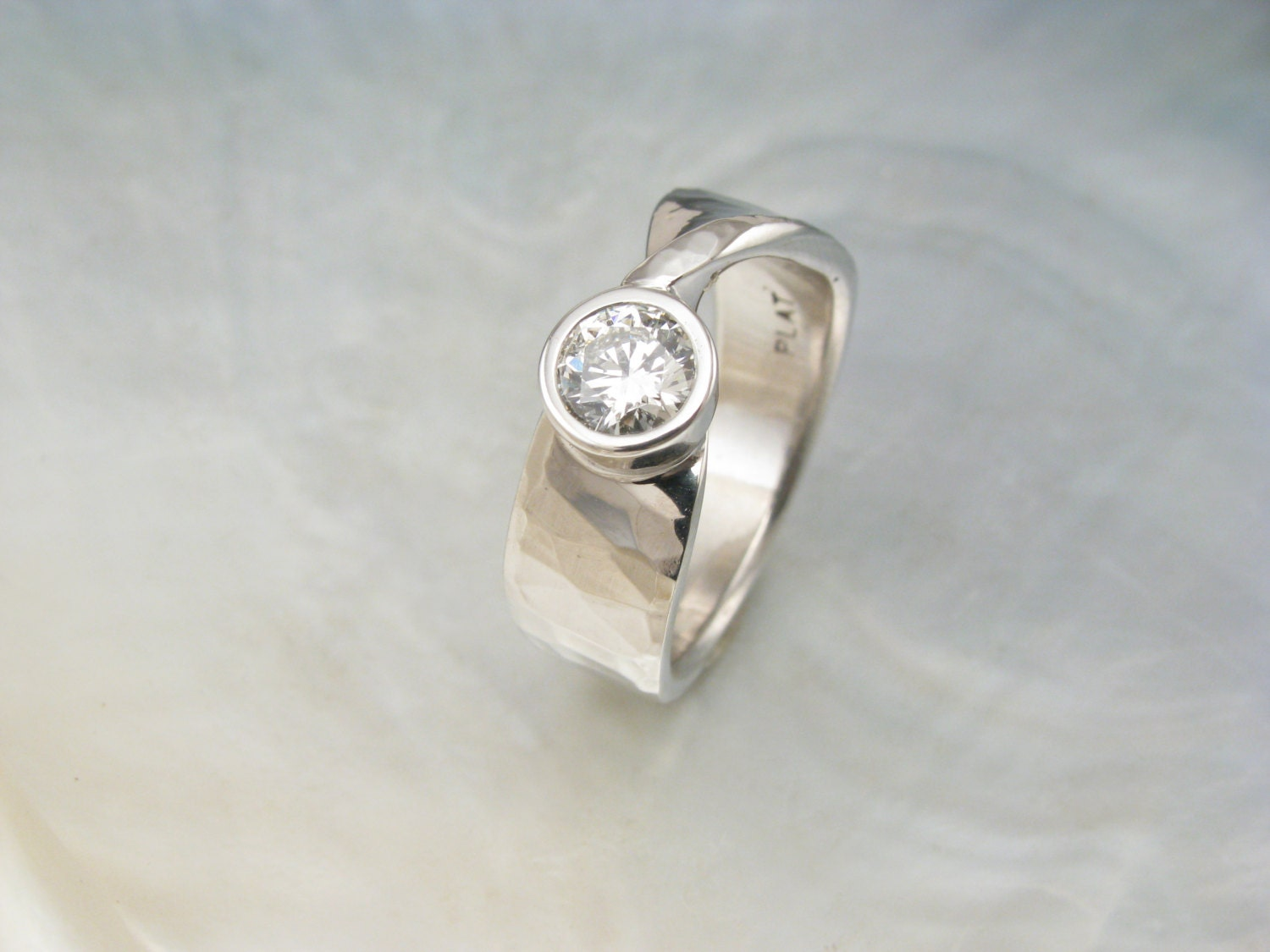 Mobius Ring Hammered Gold