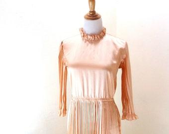 Vintage Long Peach Dress / Accordion Pleat Dress / Maxi Dress / 70s Boho Dress / Long Sleeve Dress M L