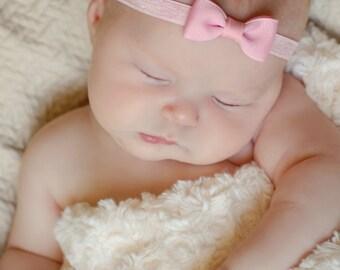 PINK Bow Headband. Small Light Pink Hair Bow Headband. Baby Hair Accessories. Baby Girls Hair Accessories. LIght Pink Baby Headband.
