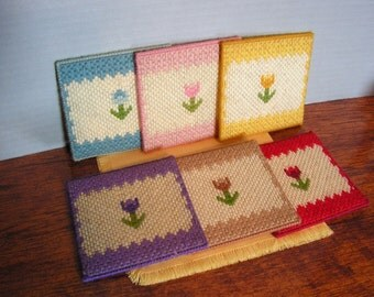 FREE SHIPPING Vintage Knit Coasters, flowers granny chic