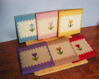 Vintage Knit Coasters, flowers granny chic