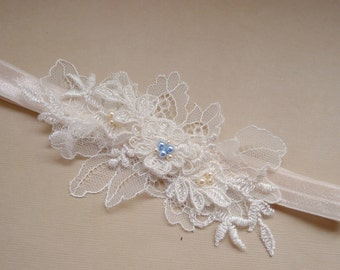 Wedding Garter, bridal garter, lace garter, Handmade Ivory Chantilly Lace Wedding Garter