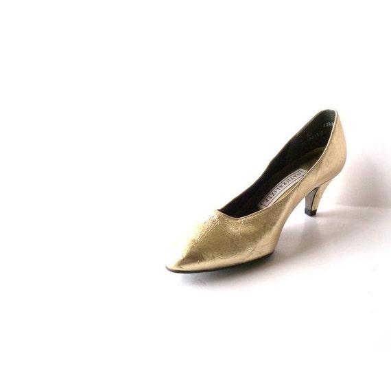 Vintage Gold Womens Shoes. Pumps. Naturalizer. Honey Gold Heels. Oscar Holllywood Glitz. Size 6