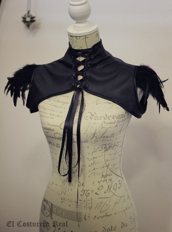 Short jacket in faux leather and feathers - Steampunk, burleske, gothic bolero