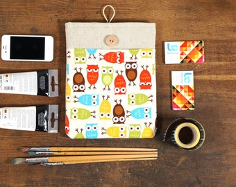 60% OFF SALE White Linen iPad Case with retro owls print pocket and button closure. Padded Cover for iPad 1 2 3 4. iPad Sleeve Bag