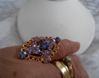 Vintage ring, Lavender and blue crystal ring, adjustable ring, size 6 1/2 -8 1/2 ring, dinner ring, vintage jewelry