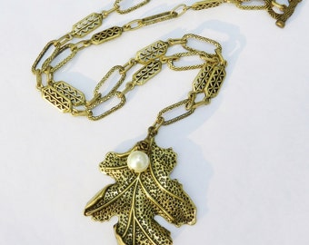 Fall Accessory ~ Oak Leaf Necklace ~ Pendant and Pearl on Antique Gold Ornate Link Chain is great for Autumn