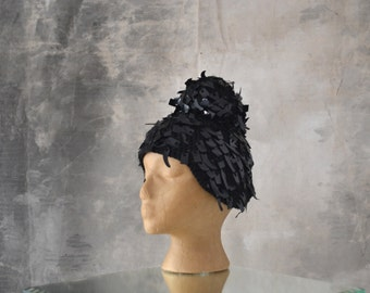 Sequined Hat with Bun Shape