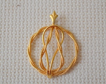 Gold Metal Rope Design Pendant