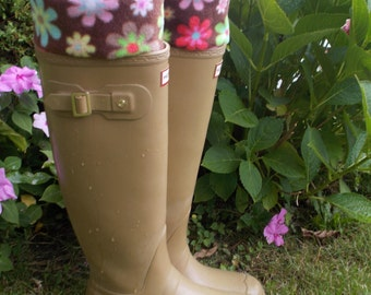 Rain Boot Liners, Assorted Daisy Print Cuff, Fleece, British Wellie Liners, Rain Boot Inserts, Rainy Weather, SmMed 6-8  Boot
