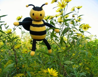 Honey the Bee - PDF Knitting Pattern for Stuffed Animal