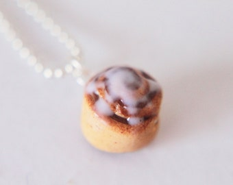 Food jewelry - Cinnamon Roll Necklace - Polymer Clay - Handmade