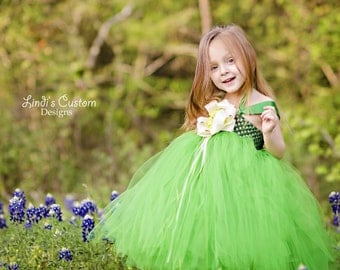 Wedding Flower Girl Tutu Dress Emerald Kelly Green with Ivory Accent, Weddings, Flower Girls up to 7/8 year, Optional Ivory Flower